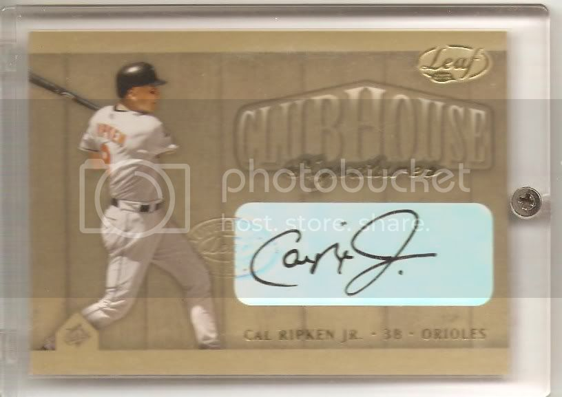 2002 leaf clubhouse signatures gold Cal Ripken Jr. 22/25 photo 2002leafcalripkenjrauto001.jpg